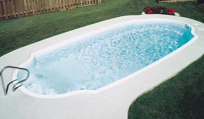 Pool model F-4 by Pool Fibro